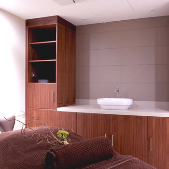 -bespoke-lockers-and-outfittersspa-treatment-room-solutions-crown-sports-lockers