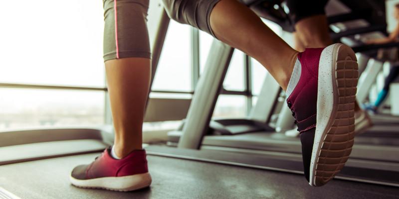 Gym Fitness - Treadmill - Crown Sports Lockers