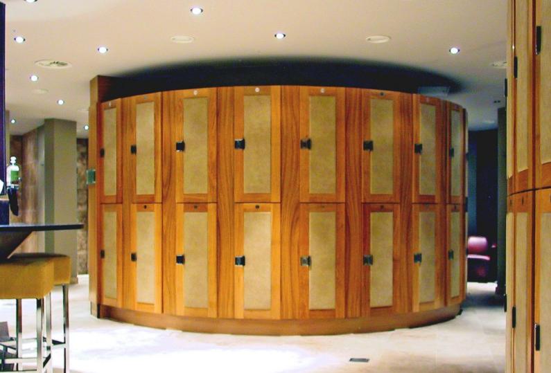 Oak effect 2-tier wooden lockers with solid oak shaker style doors