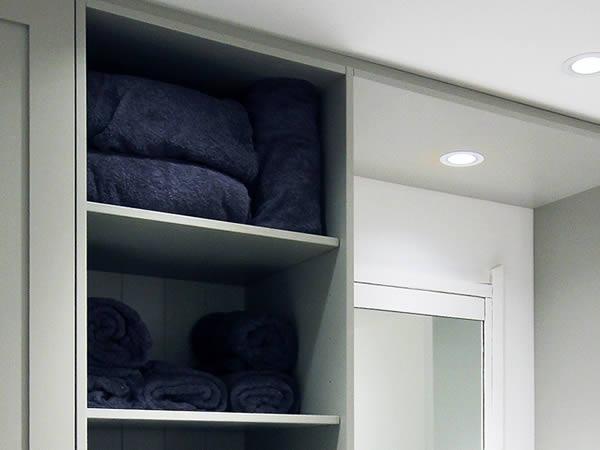 cycle studios-Room - towel storage - crown-sports-lockers